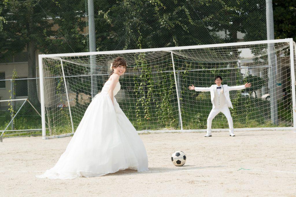 白ドレス、撮影小物、の前撮りフォト