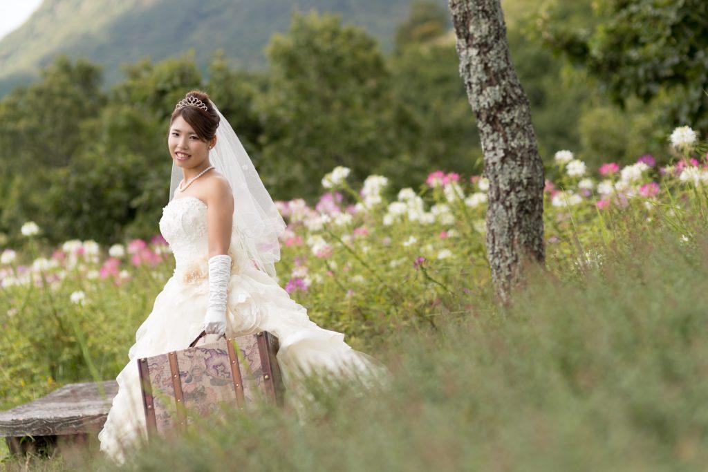 白ドレス、和小物、花、の前撮りフォト