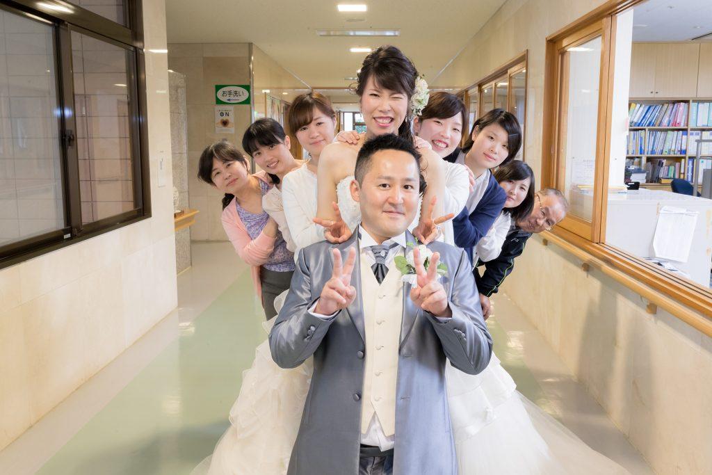 白ドレス、集合写真、の前撮りフォト
